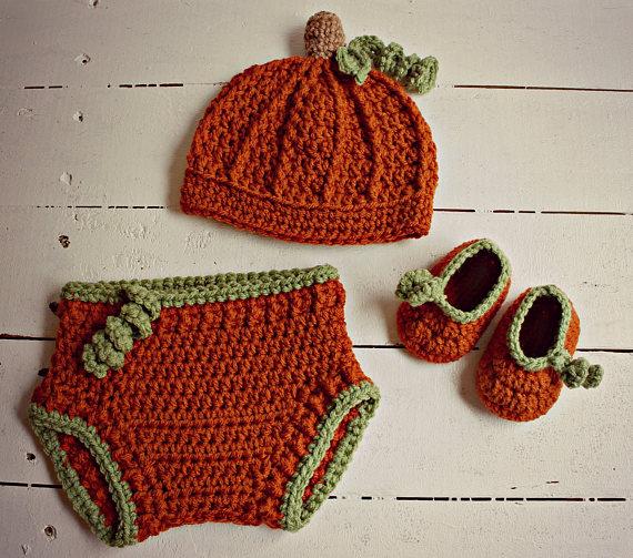 Handmade Crochet Baby Hat Bootie Mittens Newborn 0-3 months Orange Premie