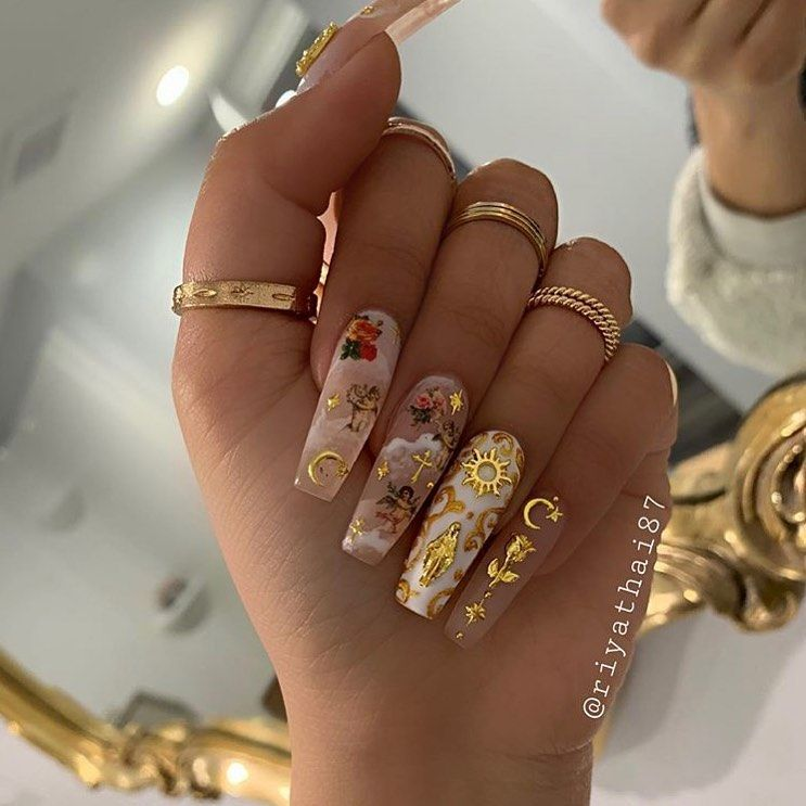 "Beautiful Nails💙's Instagram profile post: ""Follow us 👉👉@_glitternailss_ ° ° ° Credits: @riyathai87 ------------------------------------------------------ #nailfeed #nailcandy…"""