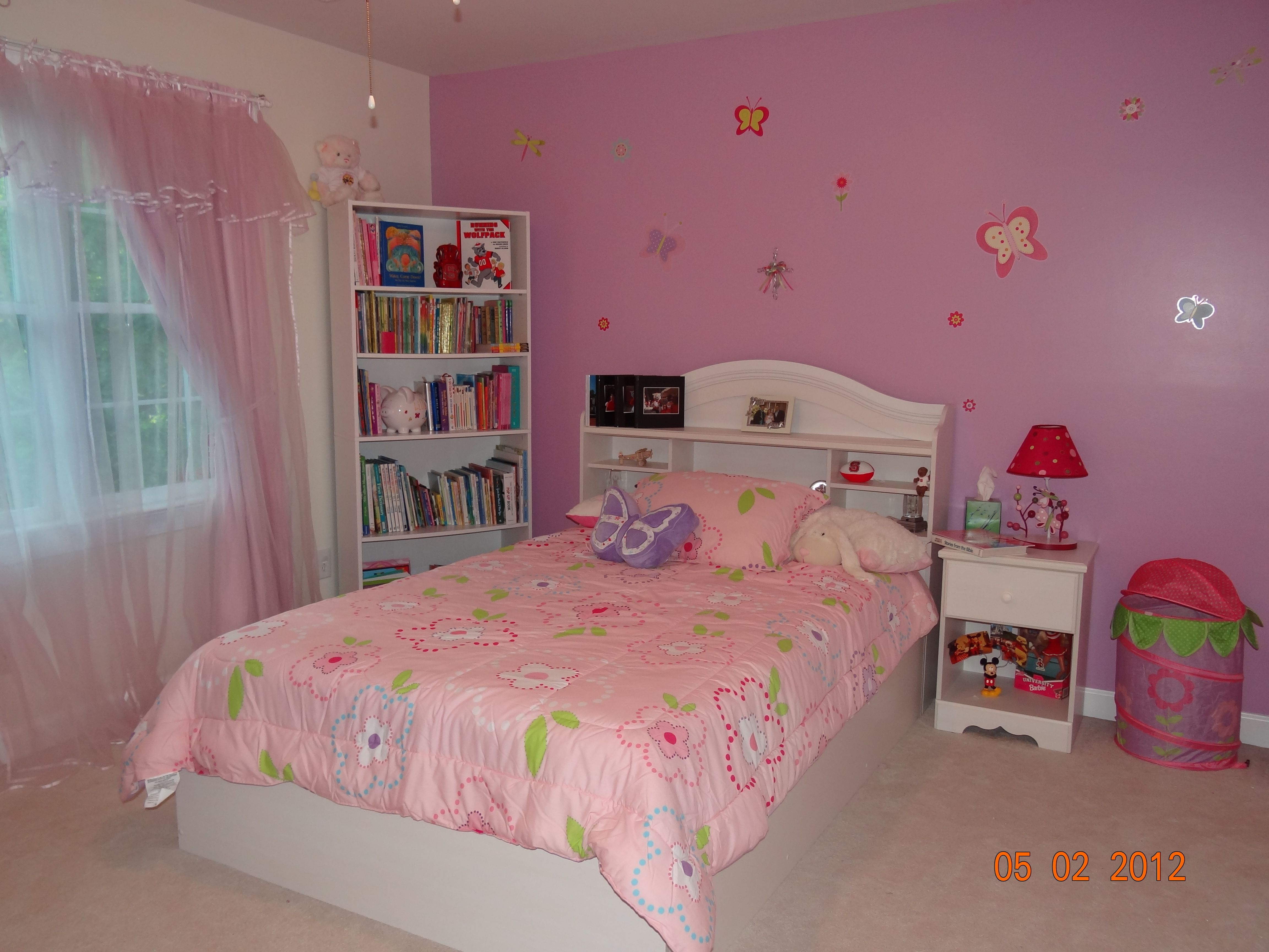 Girly bedroom butterfly and flower theme