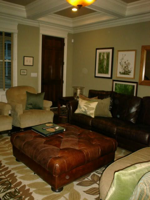 decorating with leather furniture | ... Unmatched Brown Leather ...