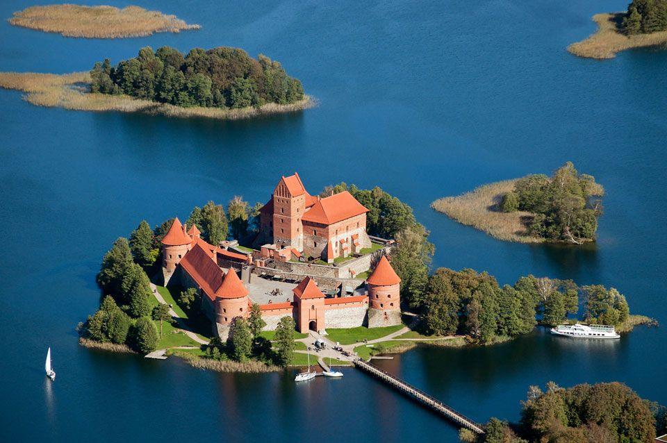 trakai island castle lithuania | Source: Wiki dan berbagai sumber