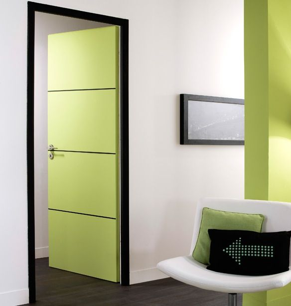 int rieur vert porte verte design de chez lapeyre une magnifique porte installer. Black Bedroom Furniture Sets. Home Design Ideas