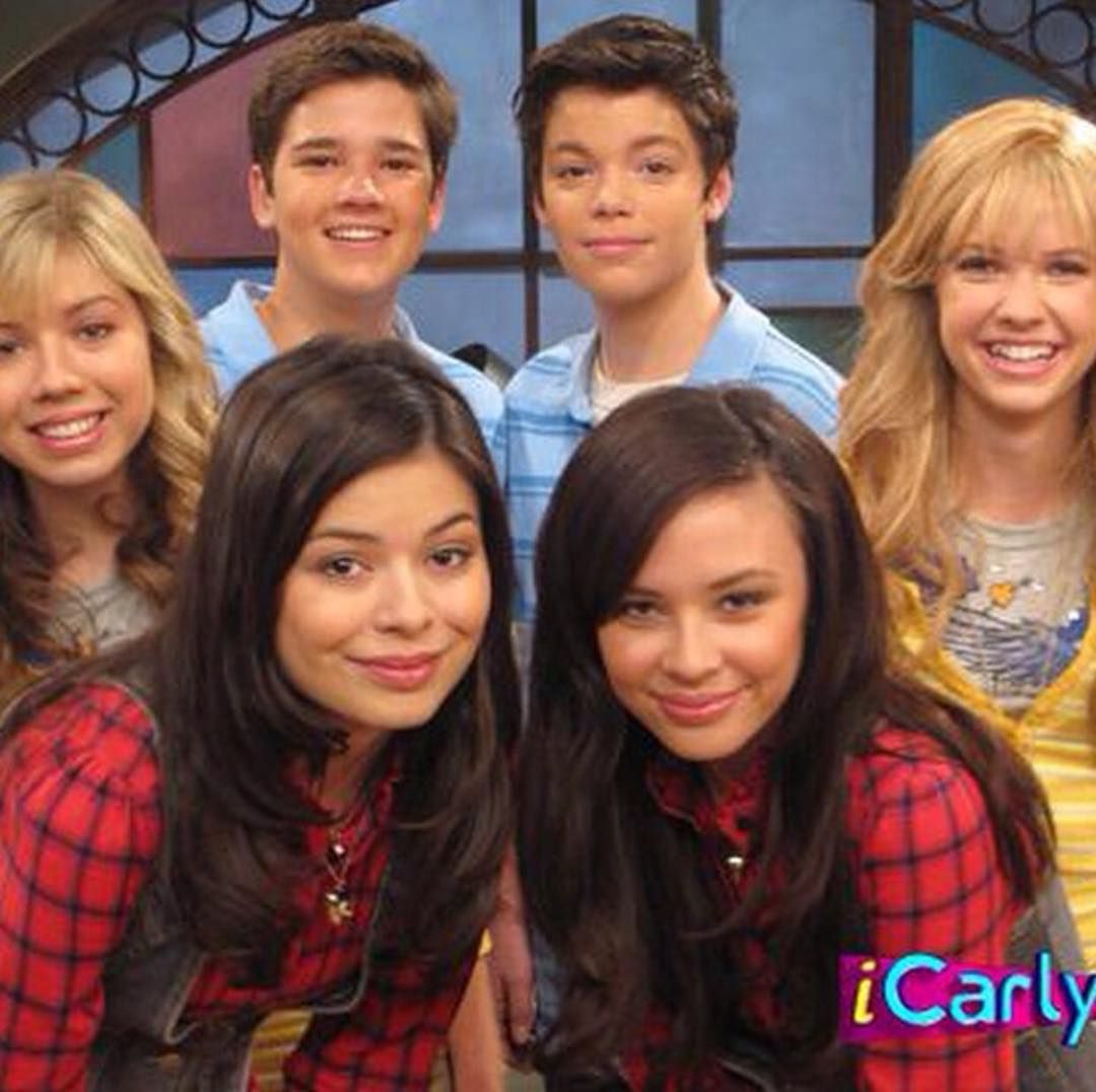 804 Me Gusta 11 Comentarios Big Victorious Fan Victorious Fan Forever En Instagram Have You Noticed Car Icarly Icarly And Victorious Icarly Cast