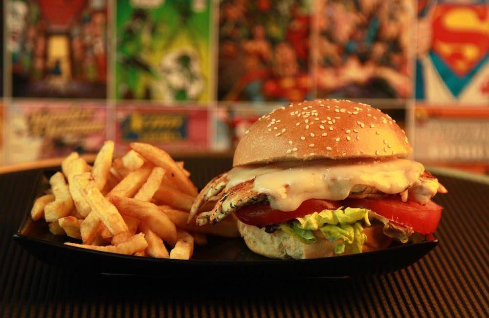 Comics Burger, un restaurant sur le thème des super-héros Marvel et DC à Paris - http://www.leshommesmodernes.com/comics-burger-paris/