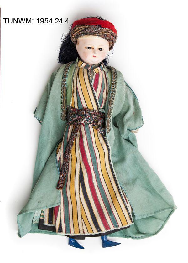 https://flic.kr/p/BSQrRW   German doll dressed in Turkish clothing, 1850   © Tunbridge Wells Museum & Art Gallery
