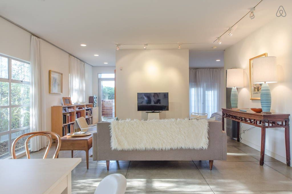 Check Out This Awesome Listing On Airbnb Modern Urban Refuge In Venice Beach Houses
