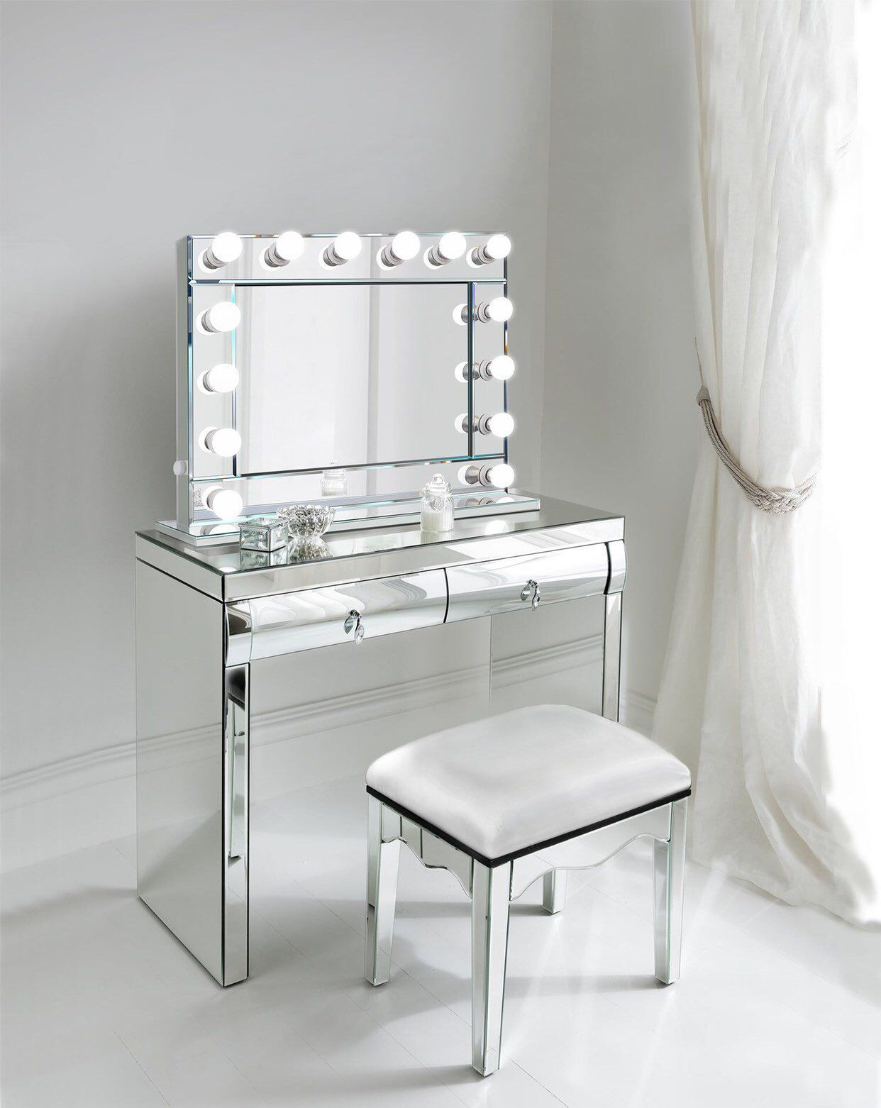 Complete Set Mirrored Dimmable Hollywood Makeup Mirror Led
