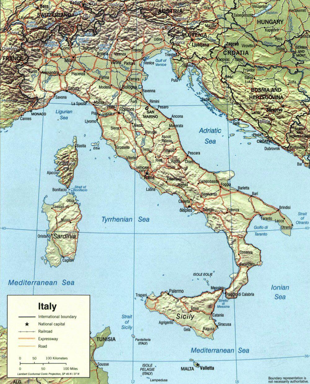 Carte de l'Italie (topographie). #TuscanyAgriturismoGiratola