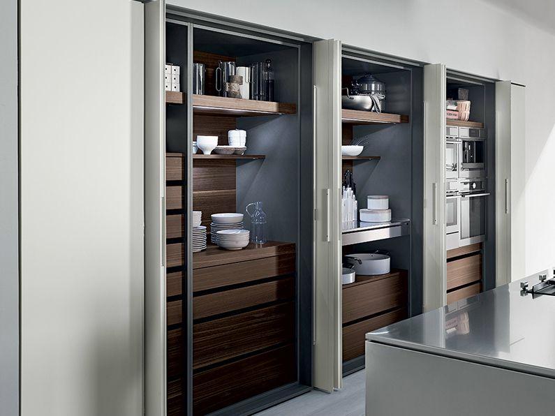 Cucina lineare con isola senza maniglie Collezione TK38 by Rossana | design Massimo Castagna