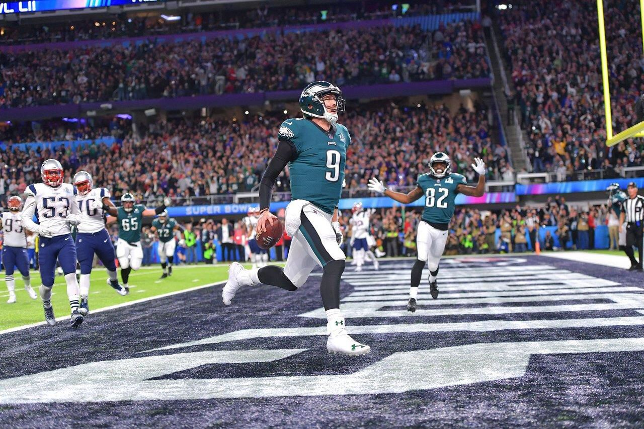 Super Bowl Lii Eagles Qb Nick Foles Receiving To Making The Philly Special Touchdown Philadelphia Sports Eagles Super Bowl Football Team
