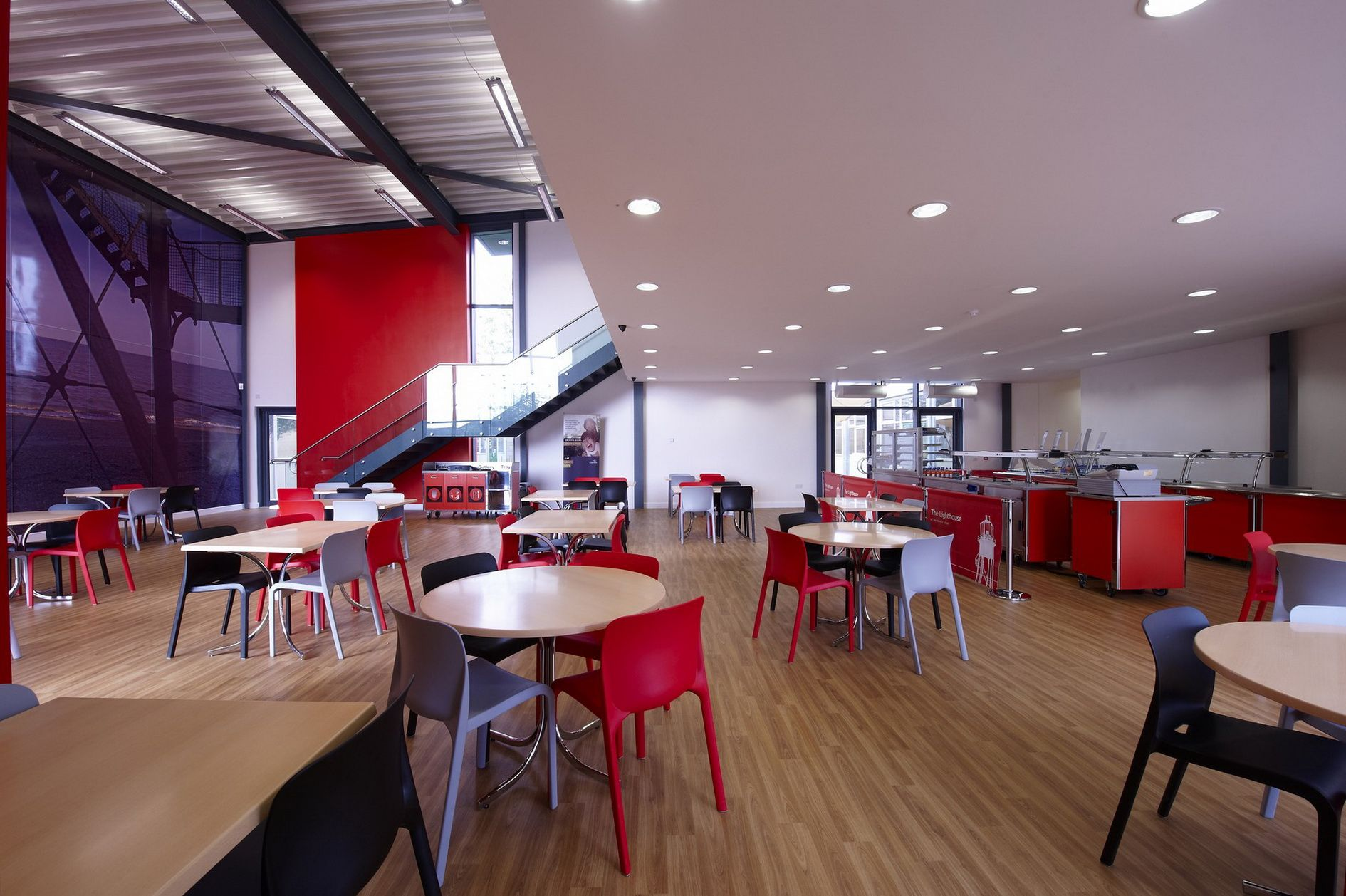 Modern school canteen interior design desain interior for Designs of the interior