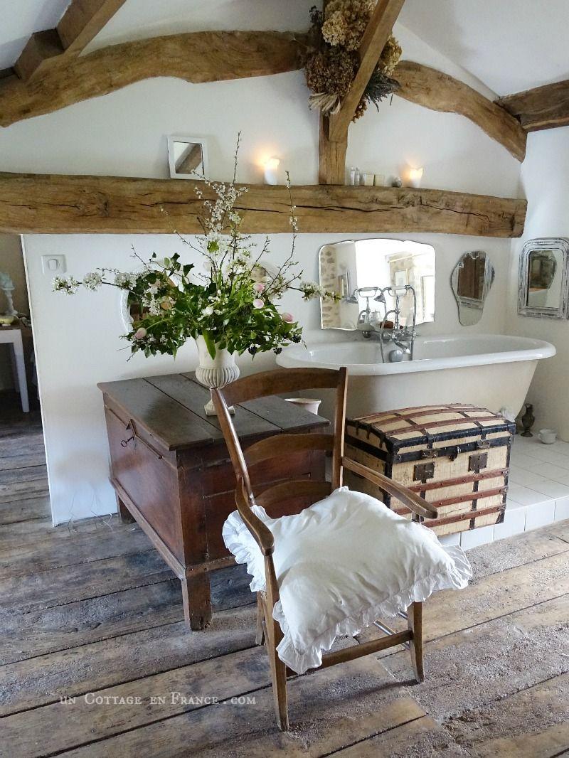 Senteurs De Provence Dans La Salle D Eau Rustique Salle D Eau