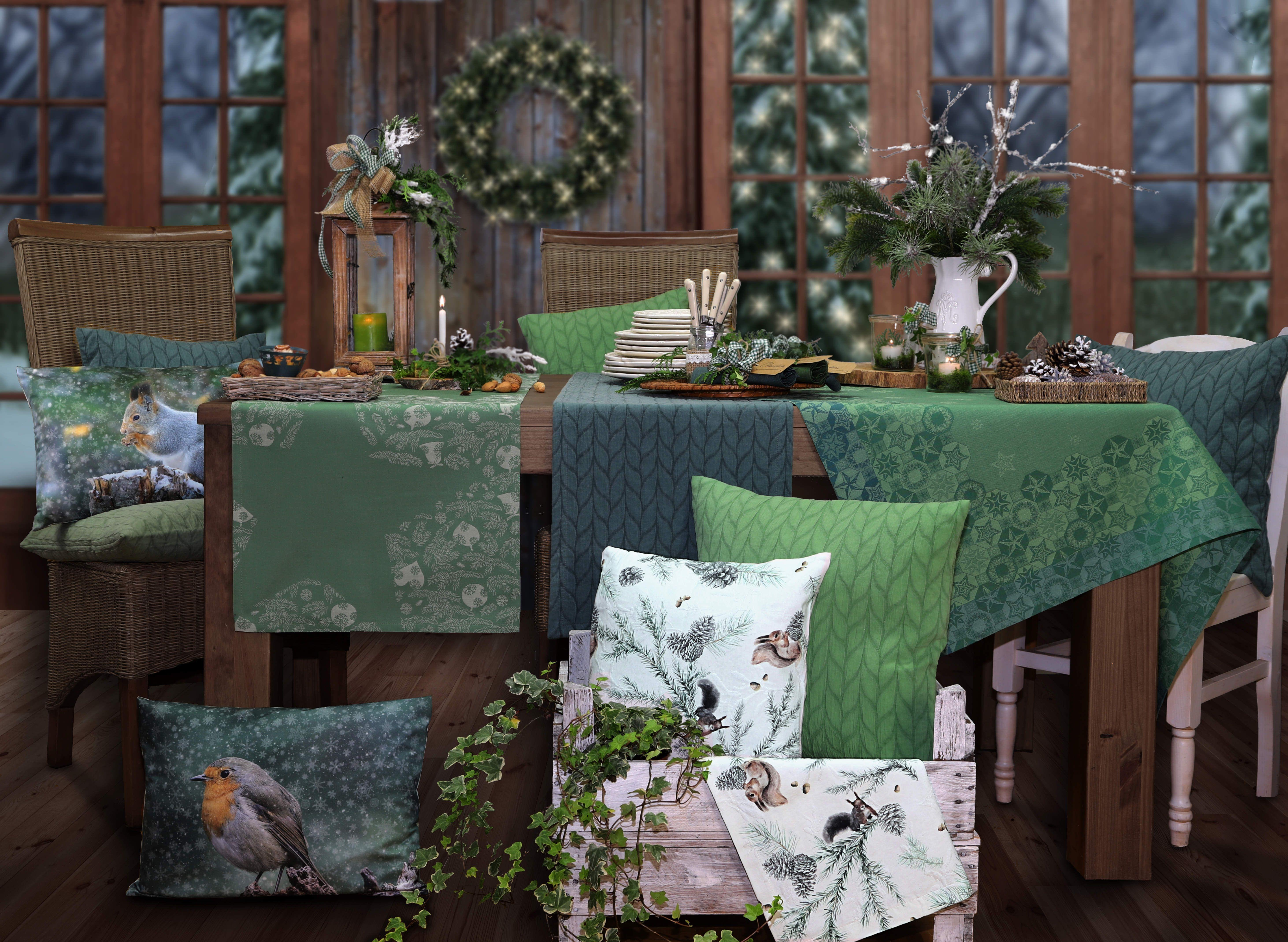 weihnachtstrend 2017 waldweihnacht verschiedene gr nt ne werden miteinander kombiniert. Black Bedroom Furniture Sets. Home Design Ideas