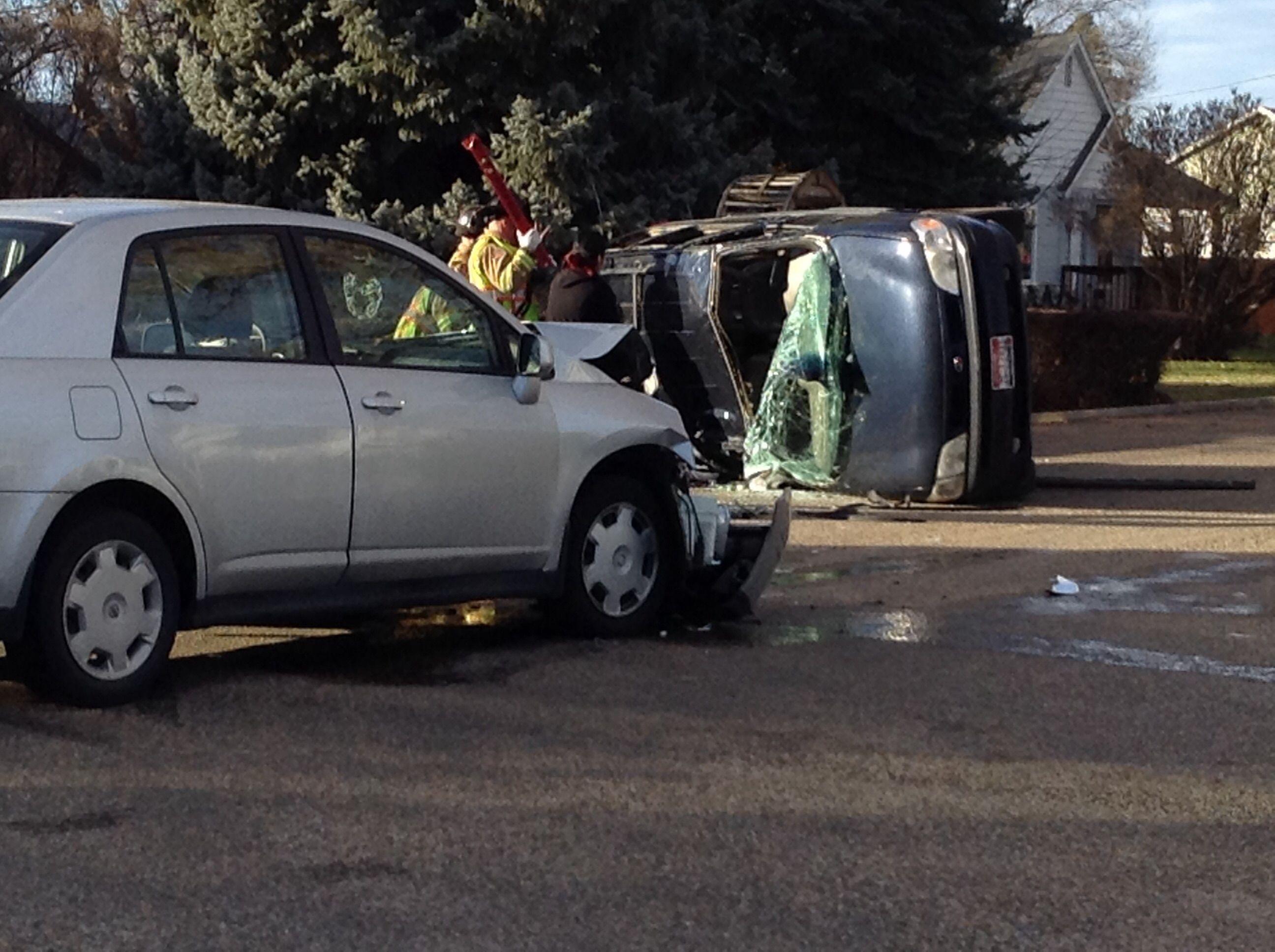Crash outside my house suv the outsiders suv car
