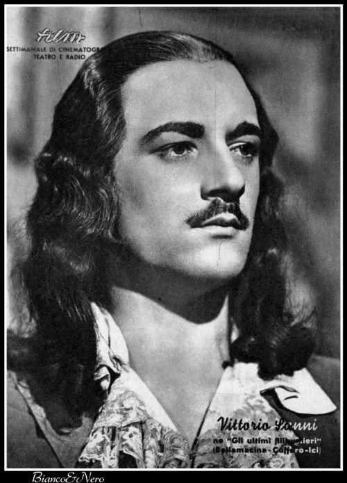 """Vittorio Sanni (Sanipoli) as Lord of Ventimiglia in !Gli Ultimi Filibustieri"""" (The Last Pirates - 1943)"""