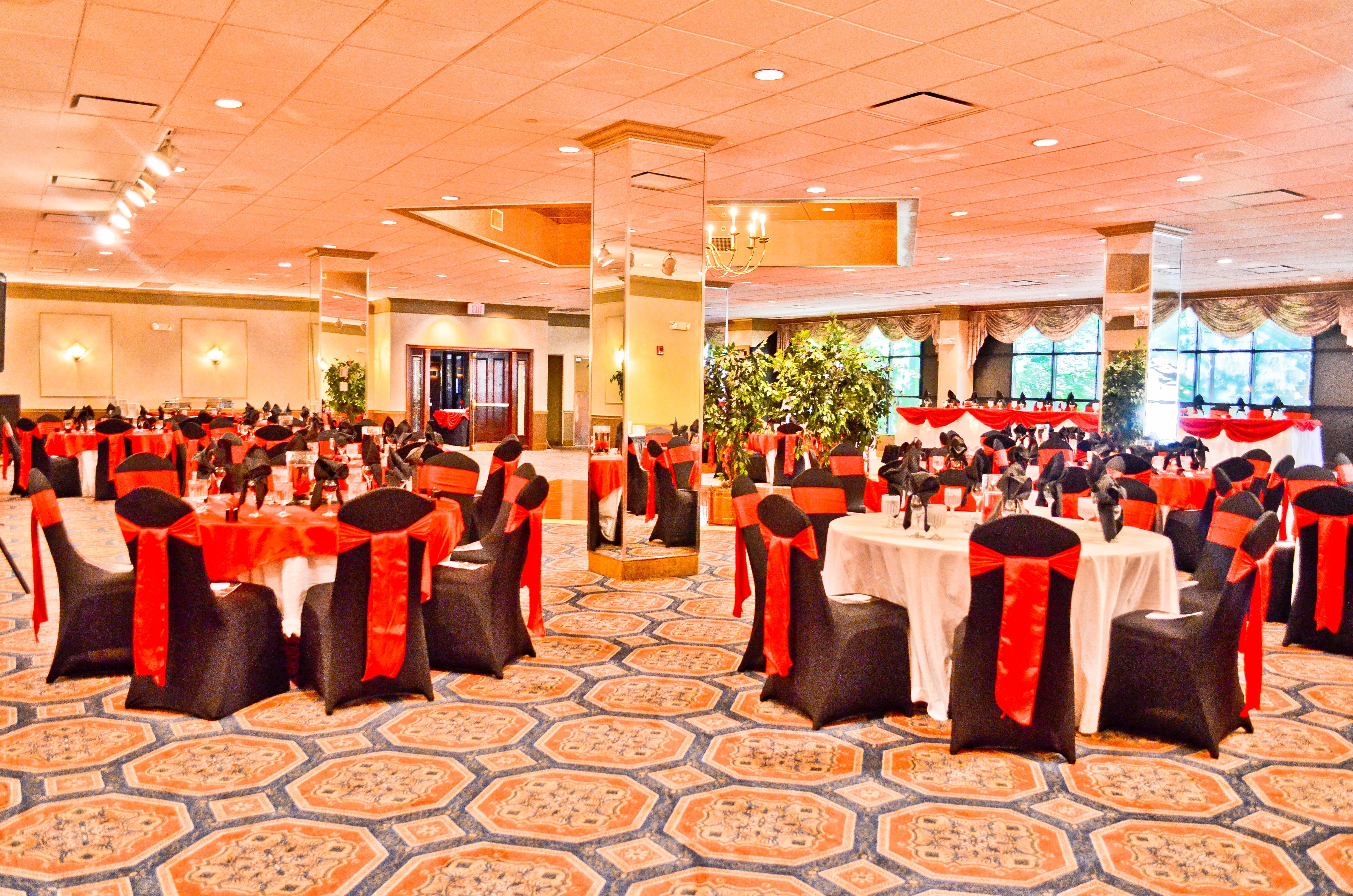 Wondrous Black Spandex Chair Covers Red Satin Sashes Table Gmtry Best Dining Table And Chair Ideas Images Gmtryco