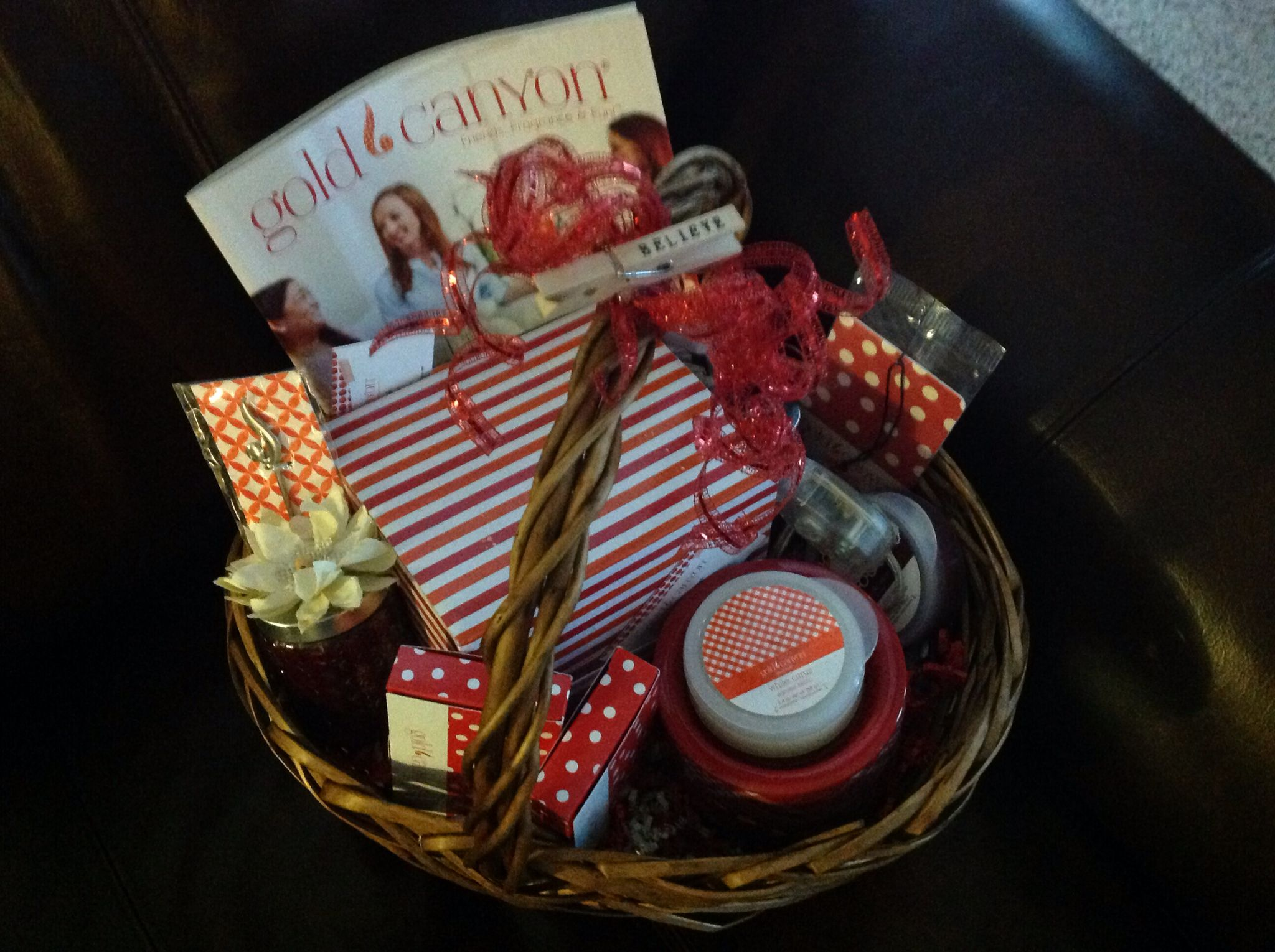 Candle gifts baskets candle gift