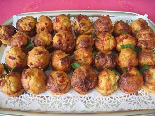 Muffins salées aux tomates séchées et féta