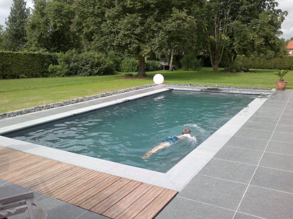 Grijs zwembad tuin pinterest grijs blauw en zoeken - Zwembad betegeld grijs ...