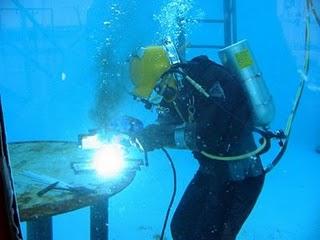Underwater Welder Requirements Job Duties And Salary Underwater Welding Underwater Welder Welding
