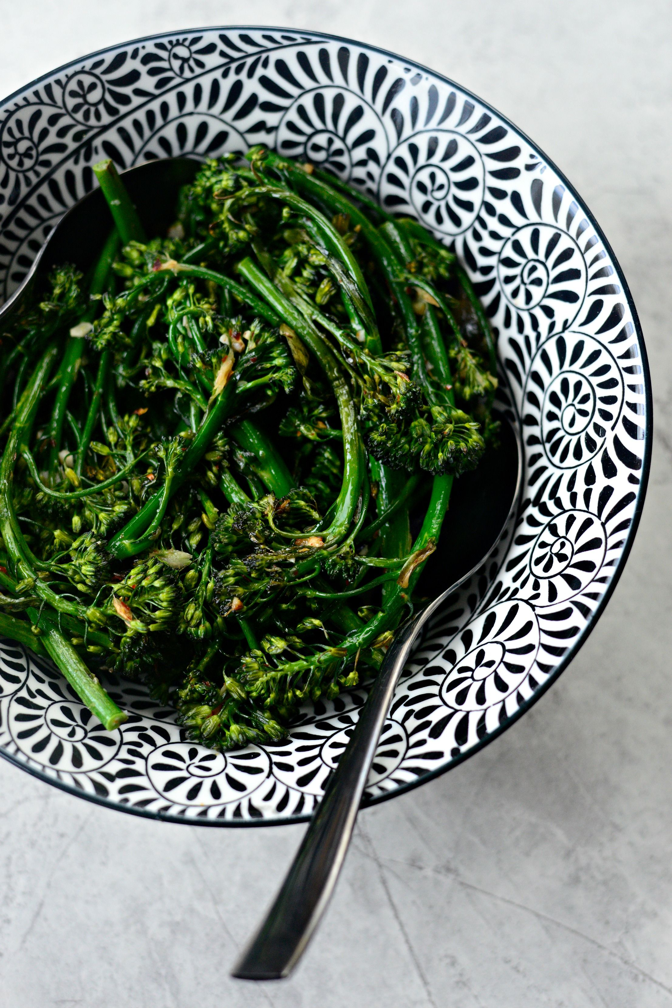 10-minute Spicy Ginger Garlic Roasted Broccolini l SimplyScratch.com  (12)
