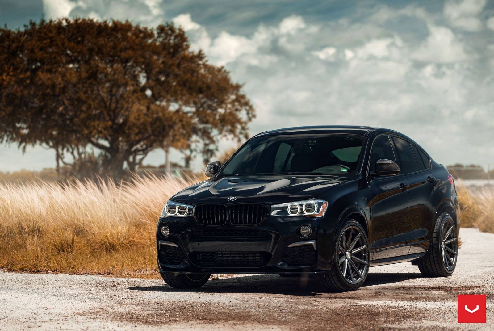 BMW X4 M40i Dresses Up With Vossen Wheels