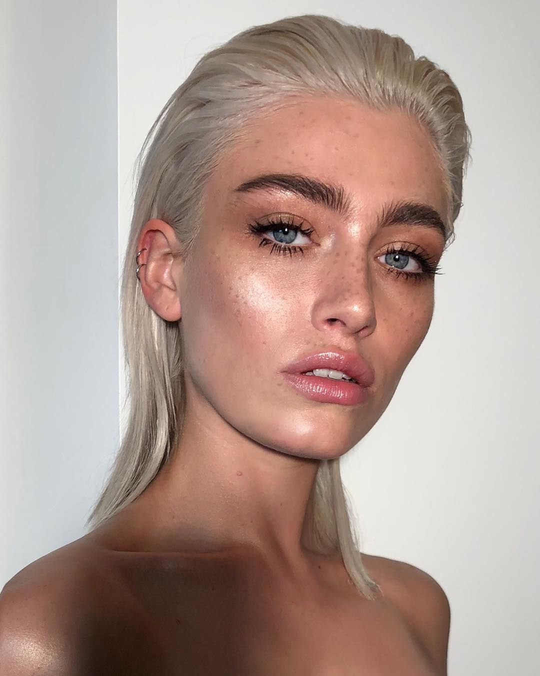 9 557 Likes 92 Comments Nikki Makeup Nikki Makeup On Instagram Glowing Into The Week Ahead Natural Makeup Makeup Looks Beauty Hacks That Actually Work
