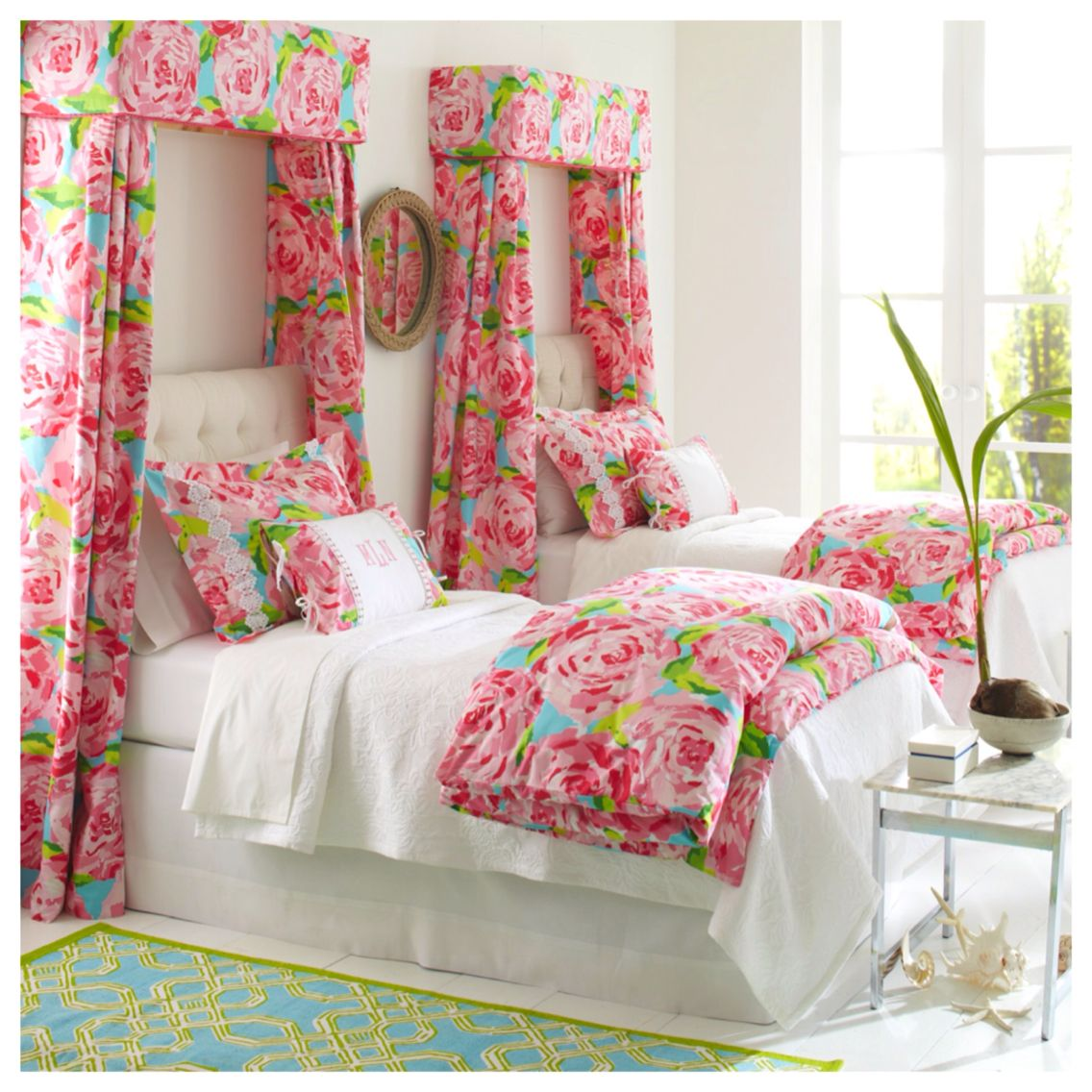 Merveilleux Room · First Impression Hotty Pink Lilly Pulitzer