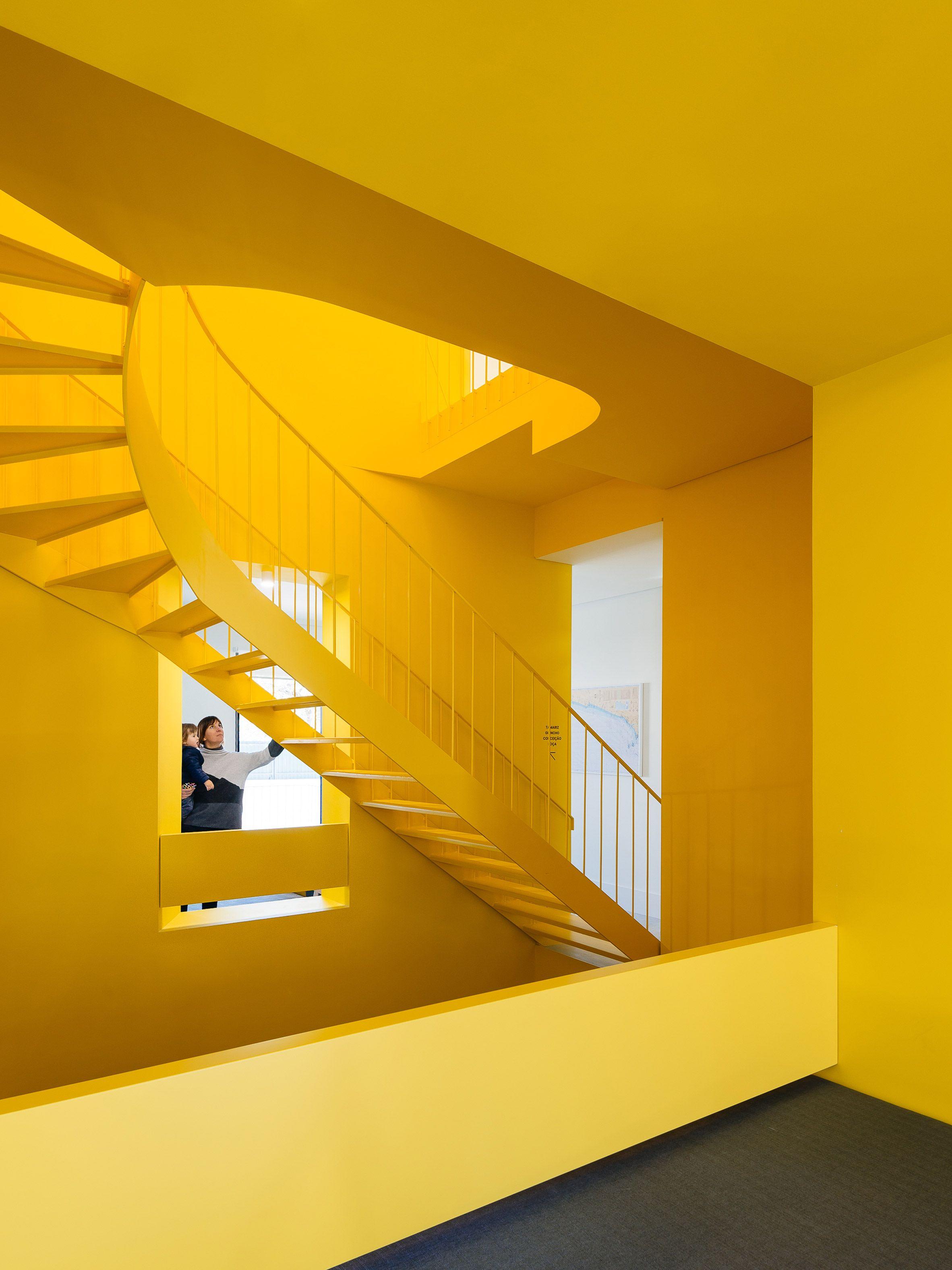 Largo Do Carmo Apartment Aurora Arquitectos Home Decor