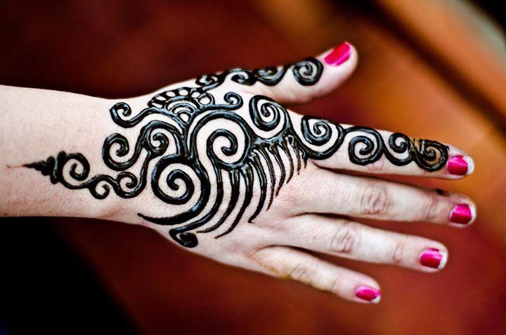 Cute Simple Henna Mehndi Arabic Designs