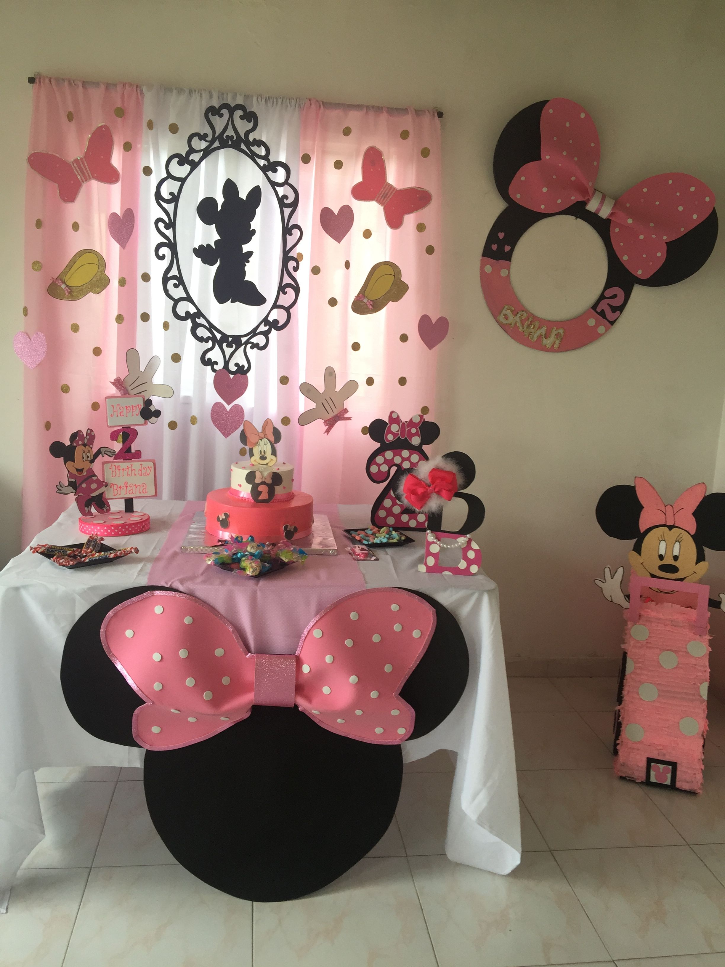 Mickey Mouse Minnie Mouse In 2019 Minnie Mouse Birthday