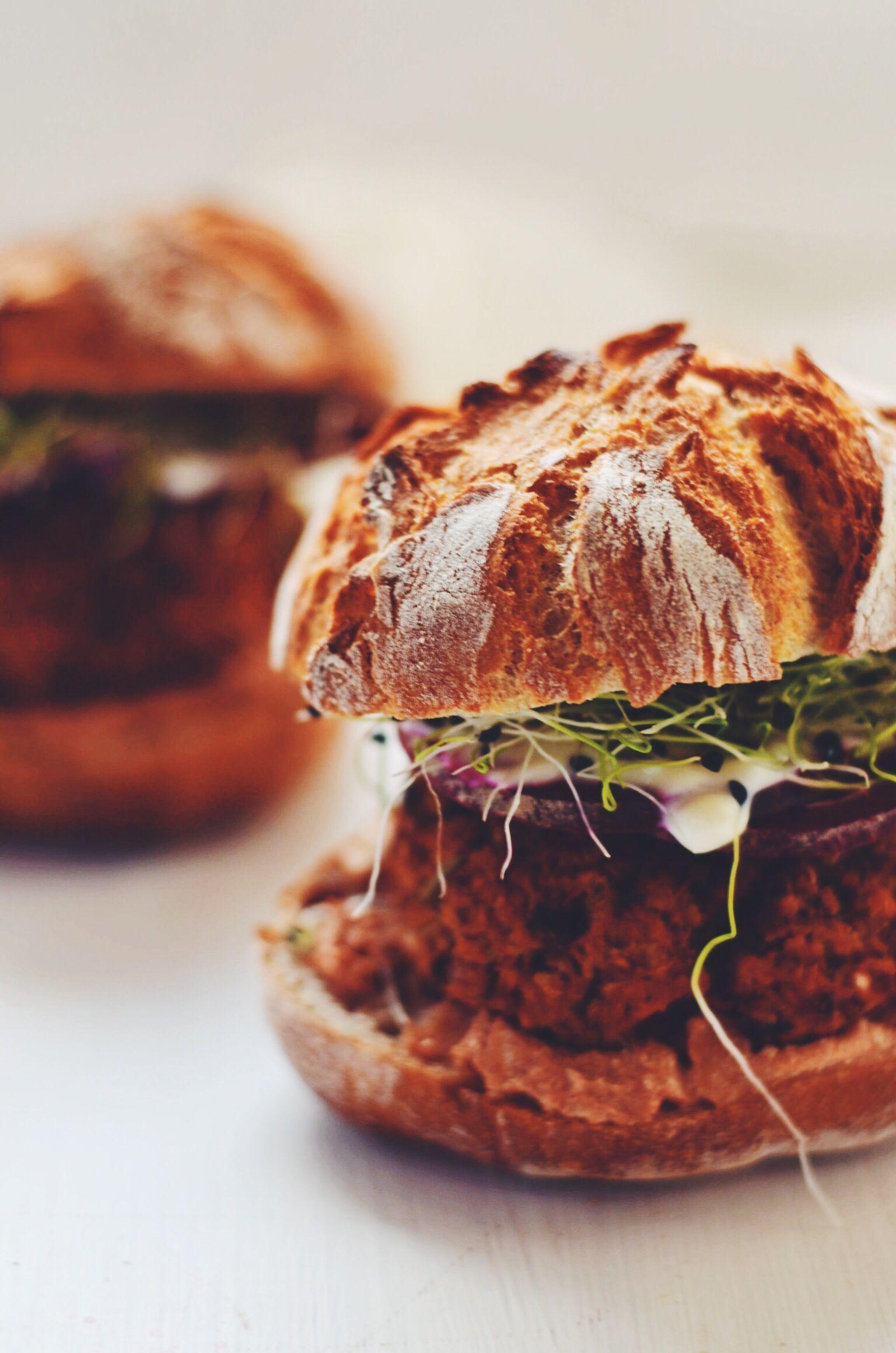 Fastfood made tasty aka Fanny's veggie burger recipe – so delicious, so easy! |