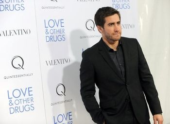 Jake Gyllenhaal | Men's Fashion - Black and Dark Dress Shirts ...
