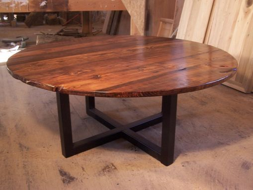 Incroyable Custom Made Large Round Coffee Table With Industrial Metal Base