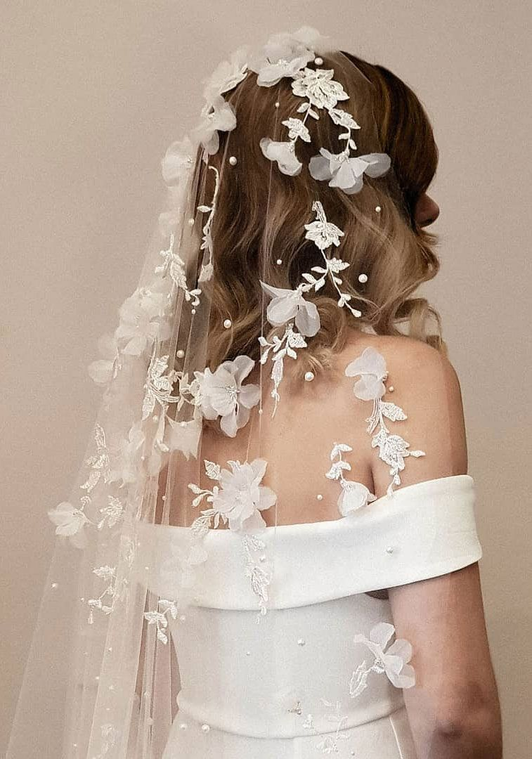 57 Pretty Bridal Headpieces To Complement Your Wedding Hairstyles