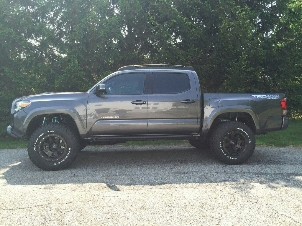 61 best automobiles images on pinterest toyota trucks jeep truck and lifted trucks