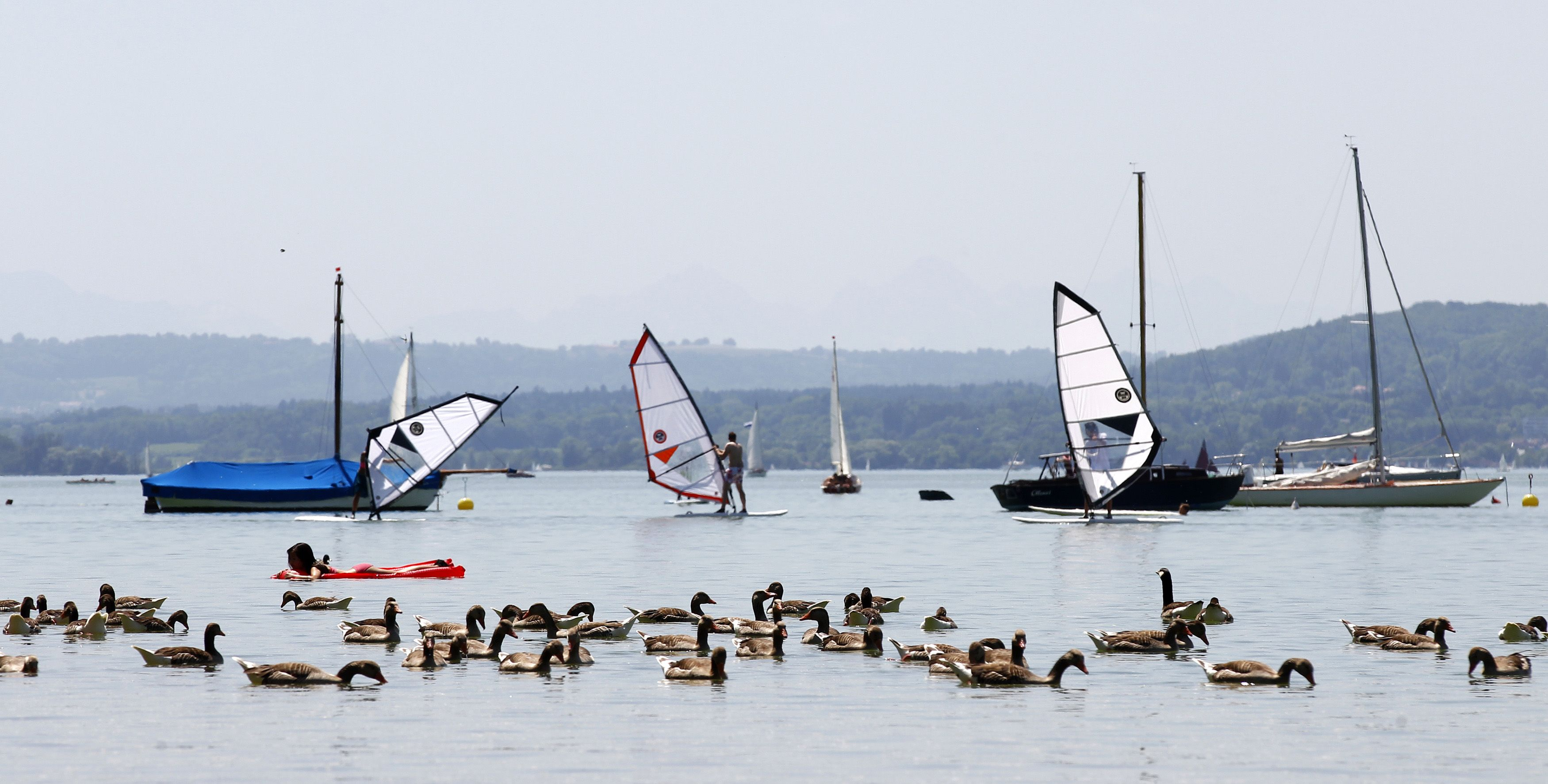 Suasana Di Danau Ammersee Di Kota Herrsching Jerman Beautiful