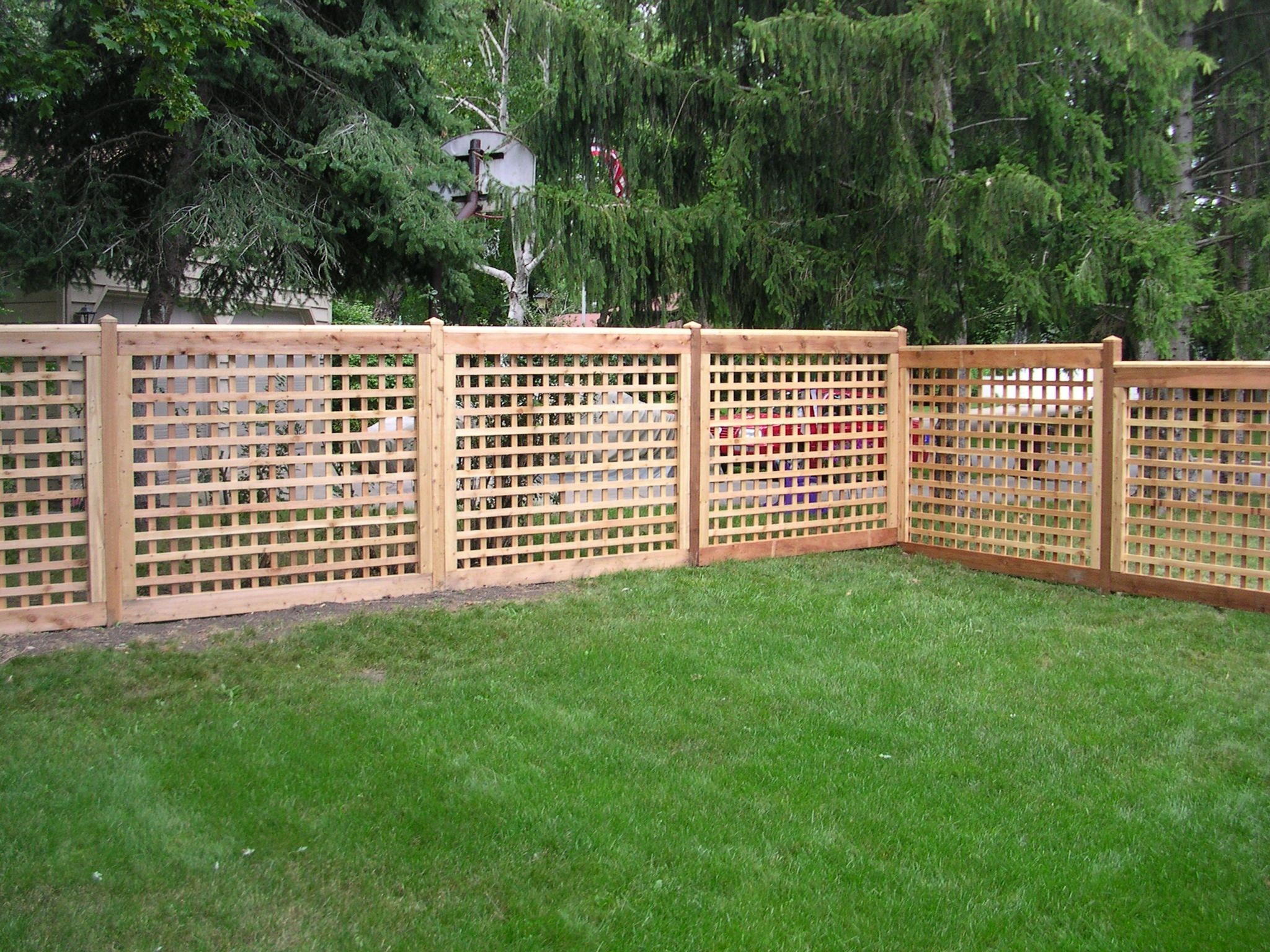 Lattice fence designs wood lattice large square 2x4 for Lattice screen fence