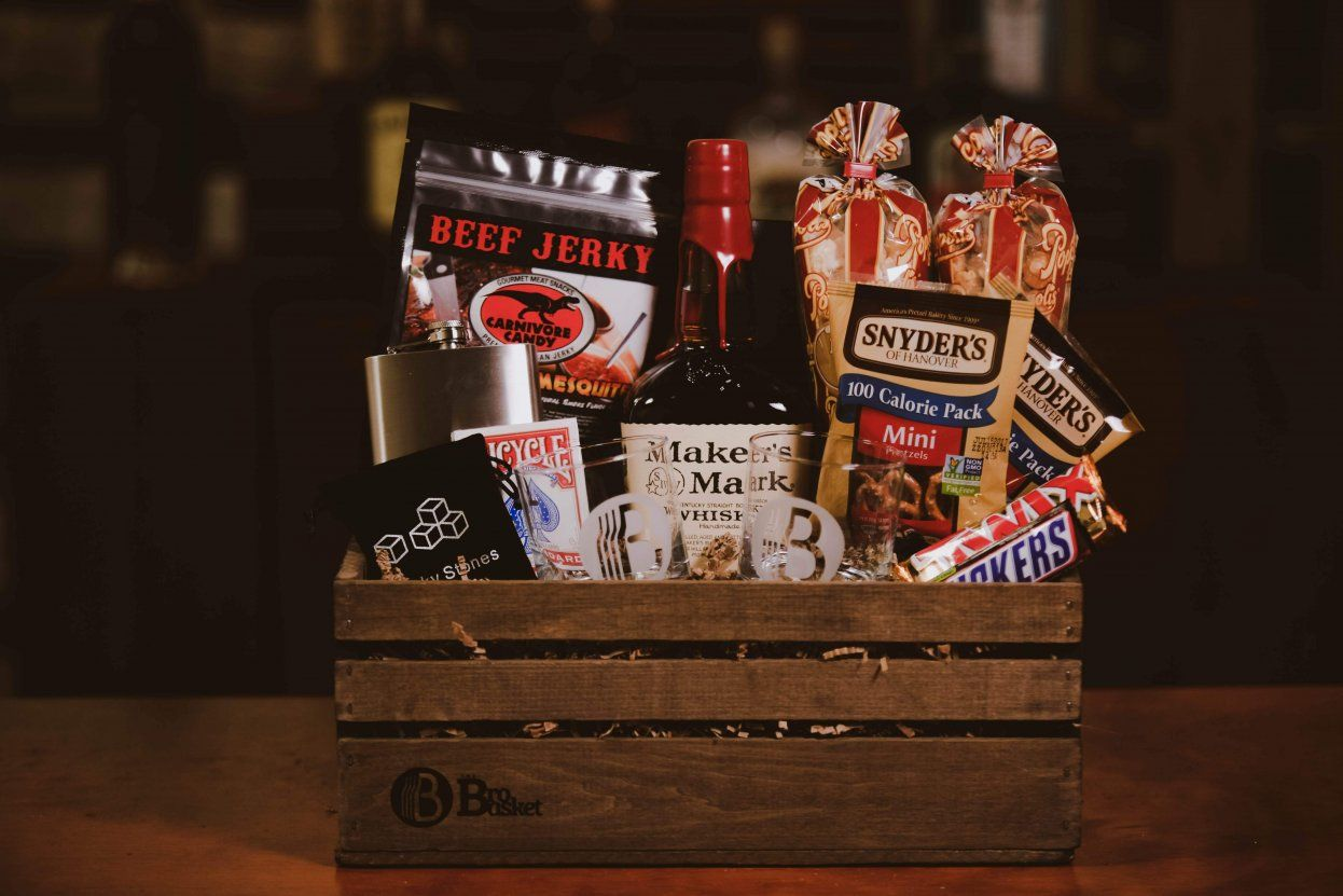Best Wine Gift Baskets for Men Fast Delivery (With