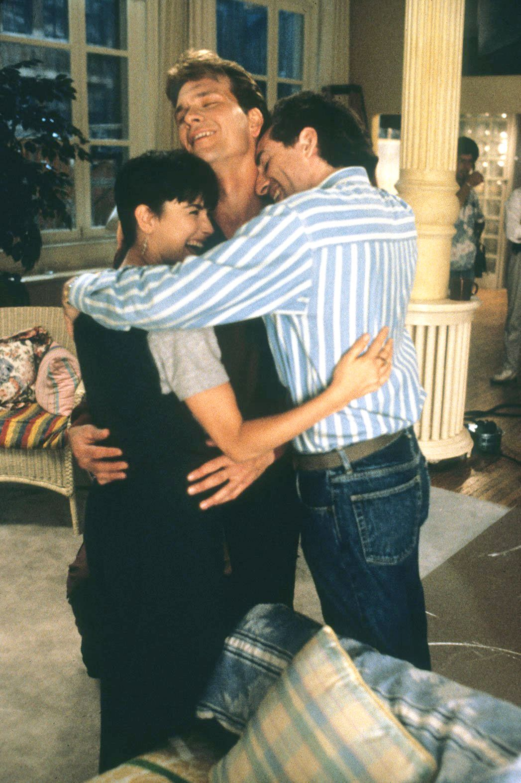 Demi Moore Patrick Swayze And Jerry Zucker On The Set Of Ghost