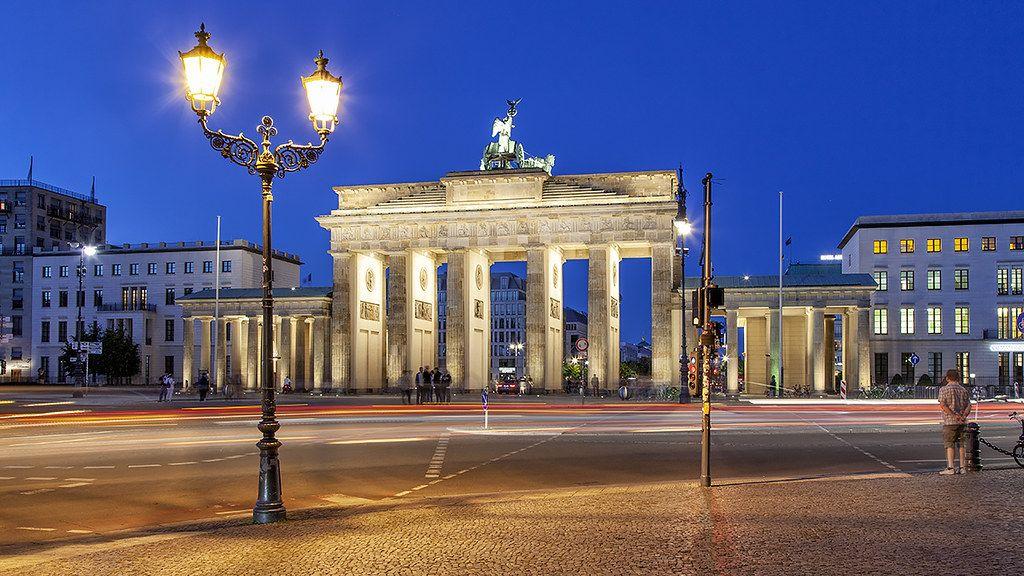Brandenburger Tor Berlin House Styles Mansions Berlin