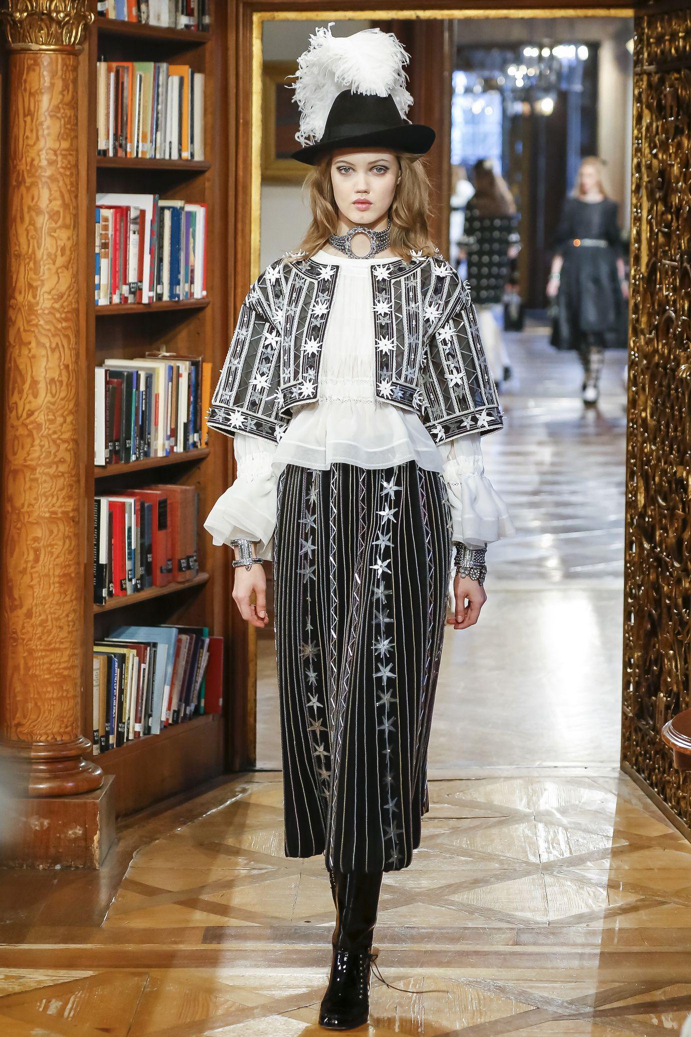 Chanel Métiers d'art 2015 #ChanelSalzburg Visit espritdegabrielle.com | L'héritage de Coco Chanel #espritdegabrielle