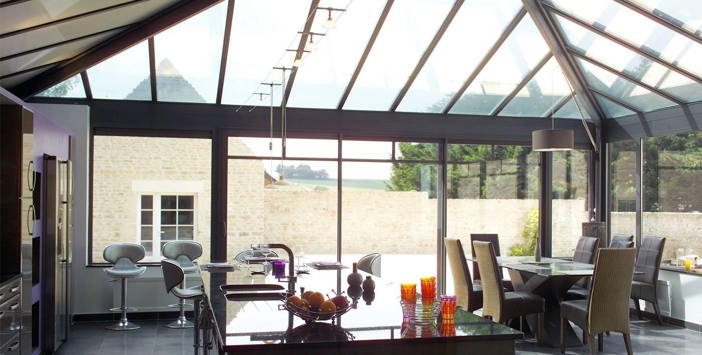 implanter une cuisine sous une v randa aluminium la v randa une solution id ale pour vos. Black Bedroom Furniture Sets. Home Design Ideas