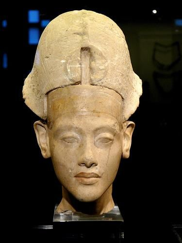 Amenophis (Amenhotep) IV: Akhenaten.  Here is a look at  Akhenaton which represents him at a much younger age than we usually see him - possibly as a child shortly before teen years. Ancient Mysteries, Ancient Artifacts, Arte Tribal, Ancient Civilizations, African History, Ancient History, Egyptian Pharaohs, Ancient Egyptian Art, Art Premier