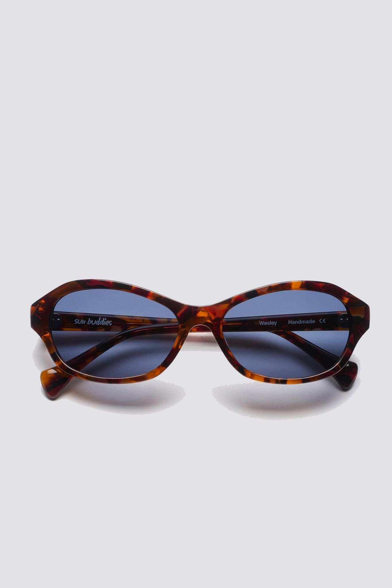 90 S Inspired Sporty Sunglasses With Semi Transparent Italian Acetate Frames And Carl Zeiss Lenses 100 Uv Protecti Sporty Sunglasses Acetate Protective Cases
