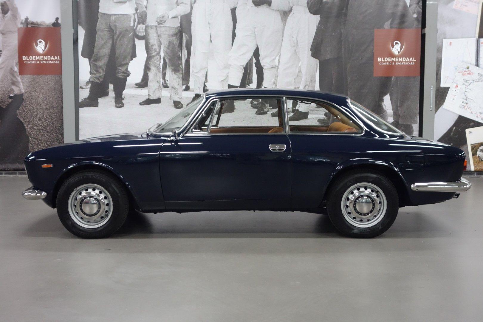 Alfa Romeo GT 1300 Junior - Bloemendaal Classic & Sportscars ...