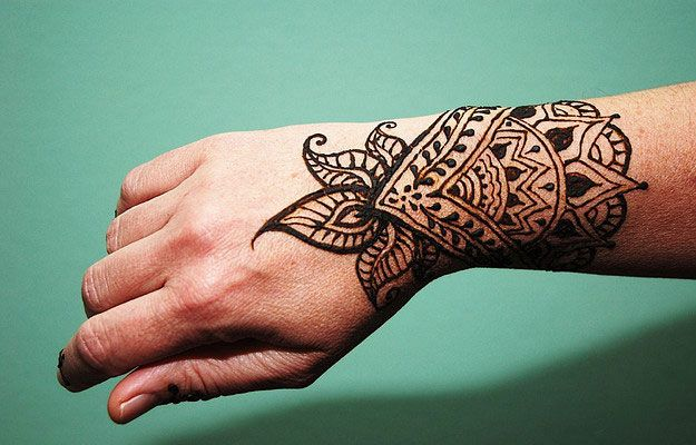 Cool Mehndi Patterns : Top cool henna designs and hands