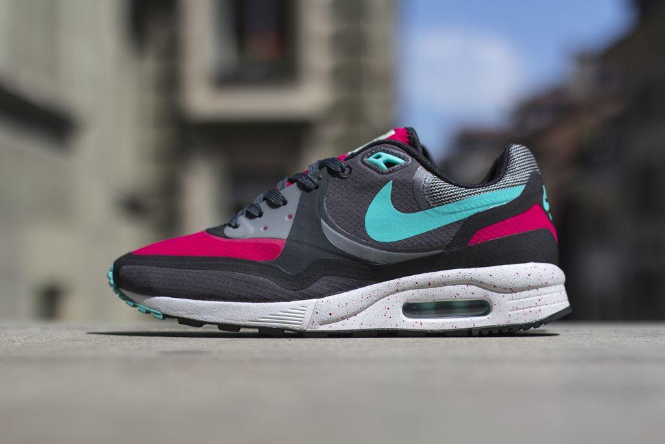 Nike Air Max 2015 BlackVolt Hyper Jade Kicks Links
