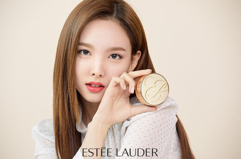 Twice Chosen To Be The Brand Ambassadors For Estee Lauder Koogle Tv Nayeon Estee Lauder Nayeon Twice
