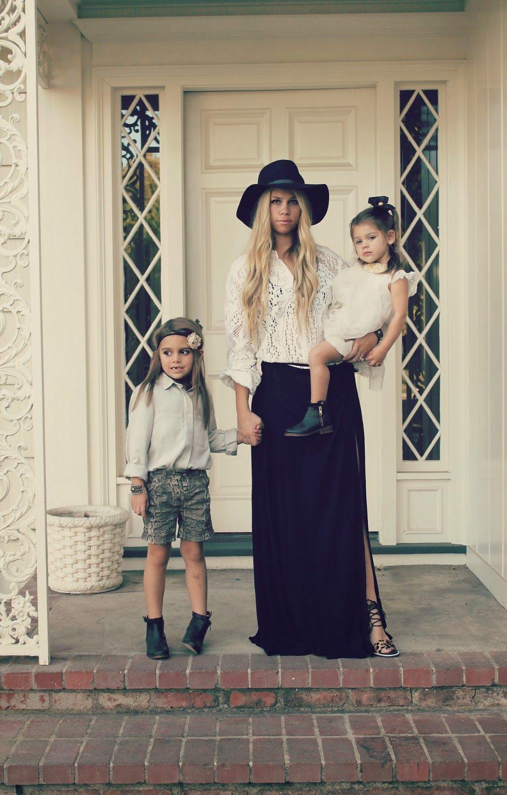 d5ea6b4c4760 Fashionable moms